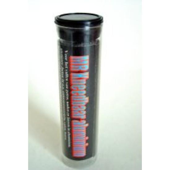 Kneedbaar aluminium 115 gram, vult gaten en naden in aluminium en lijmt tevens.
